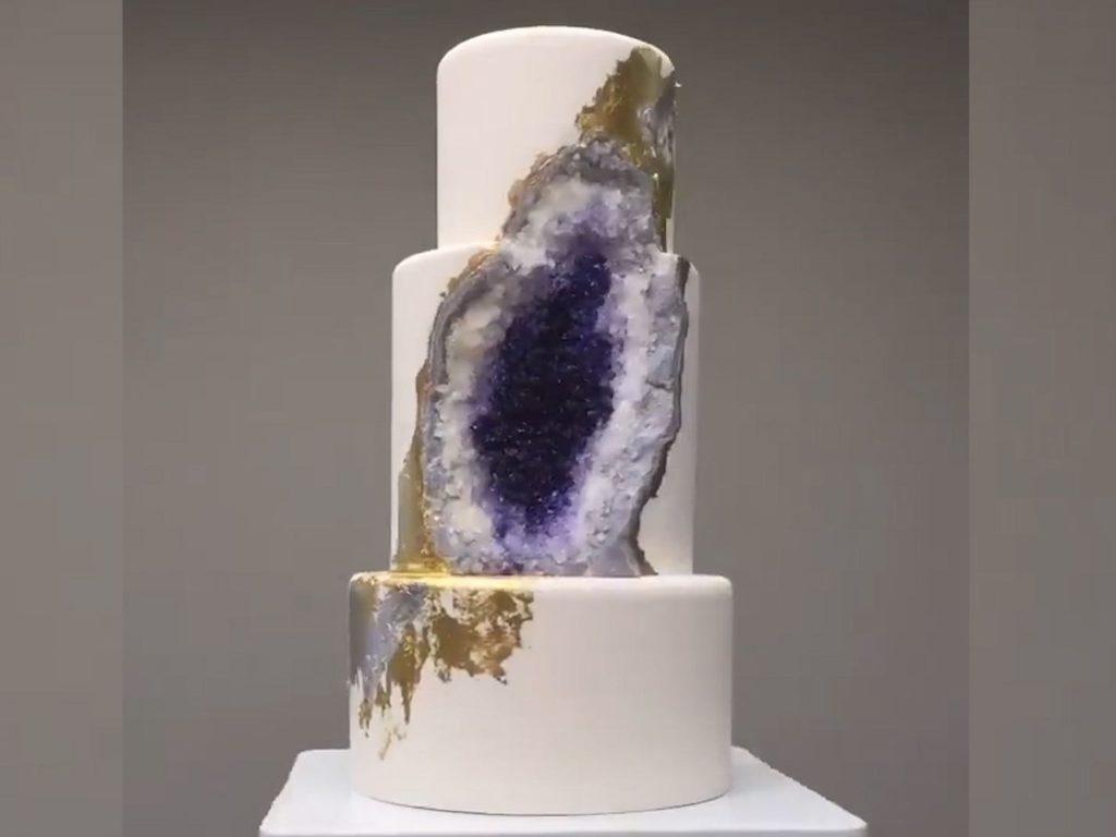 Intricate Icings kristálytorták